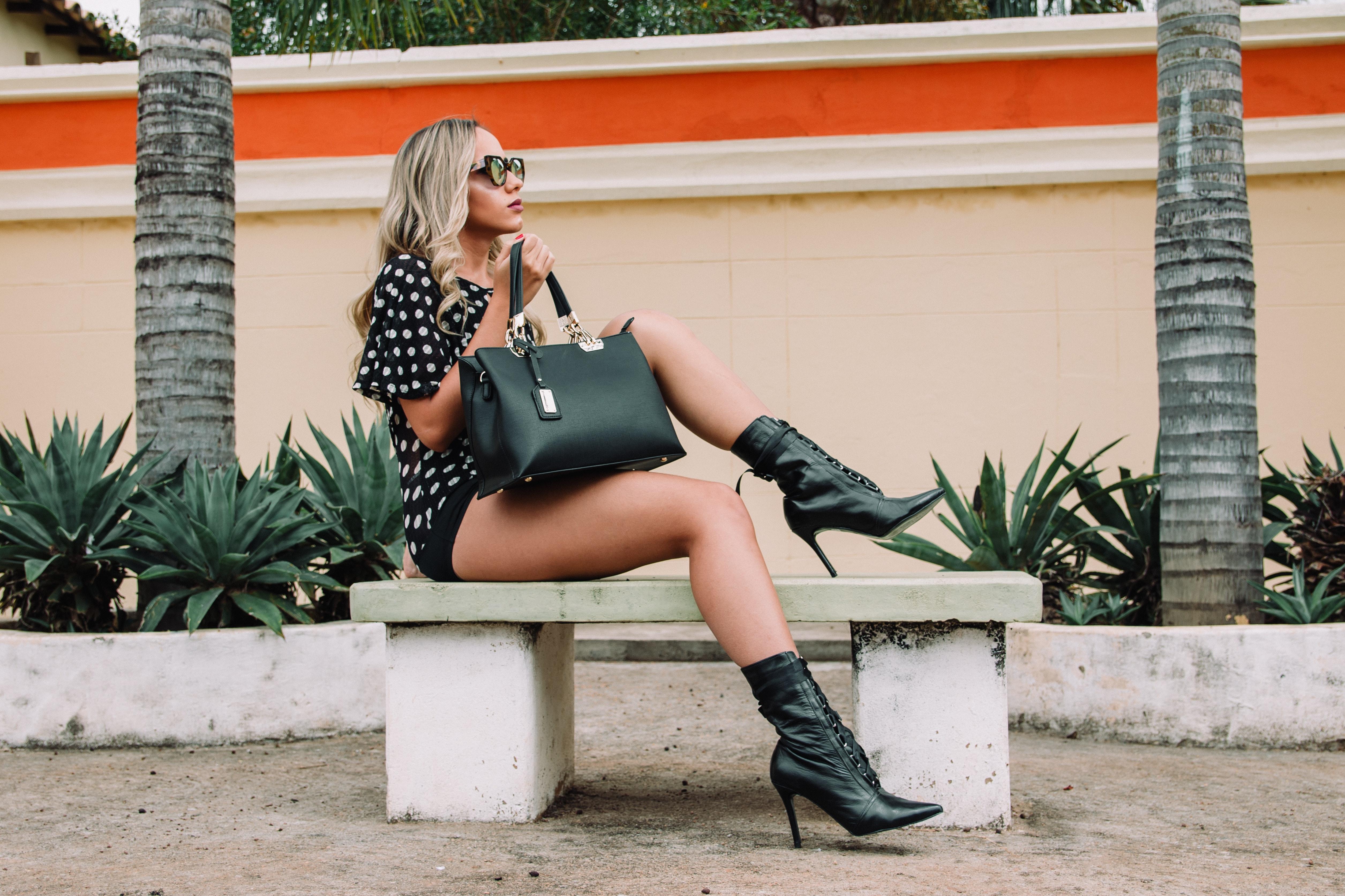 Fii la moda in sezonul rece cu o pereche de cizme de dama din piele!