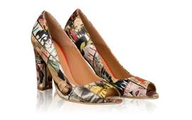 Fii vedeta in fiecare zi, in pantofii Colourfull cu imprimeu de revista